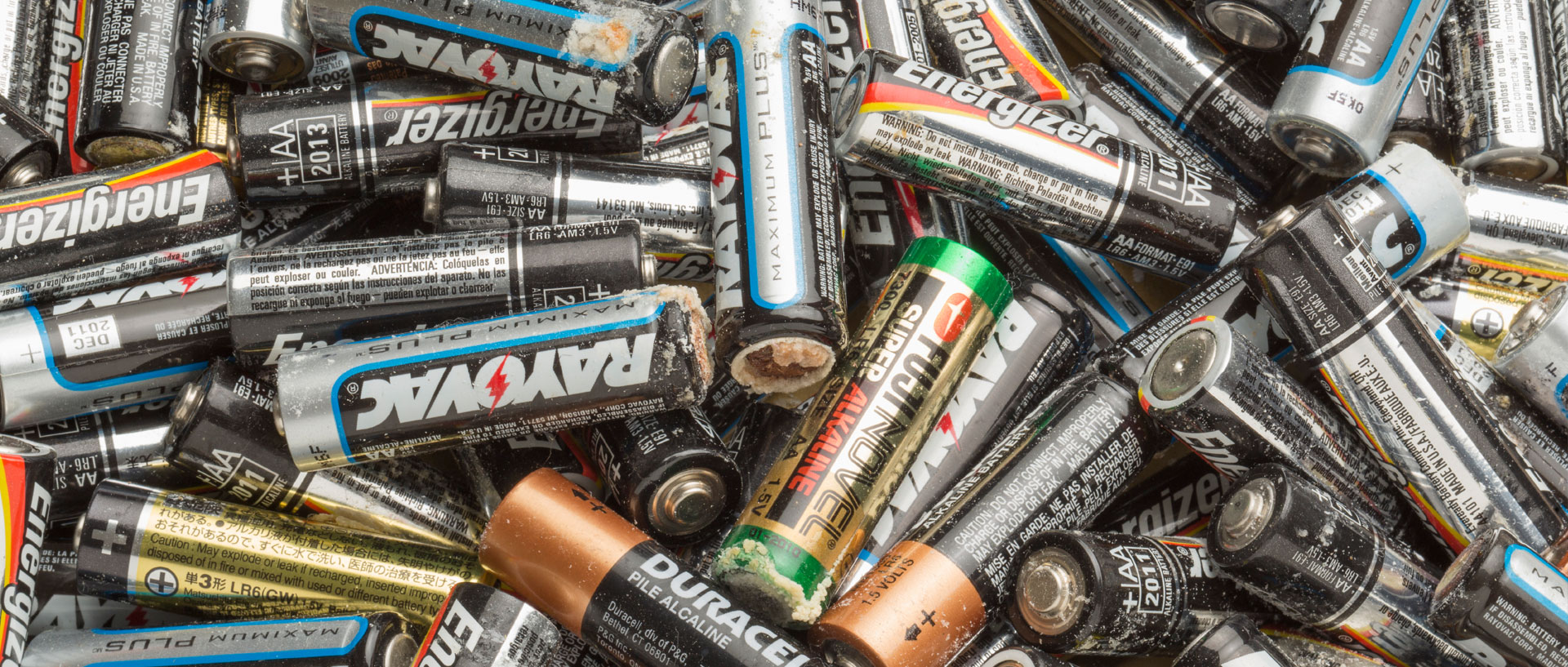 Why Do Batteries Leak? Consumer Reports #1586B6