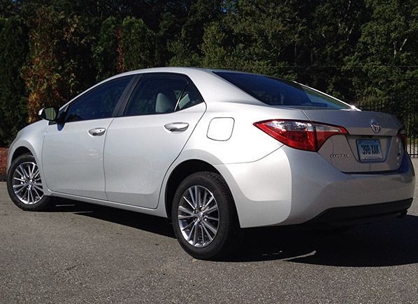 first drive redesigned 2014 toyota corolla. Black Bedroom Furniture Sets. Home Design Ideas