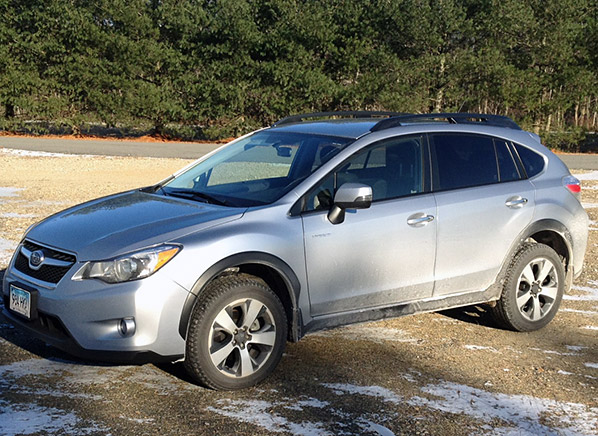 2014 subaru xv crosstrek forester hybrid combines utility and fuel economy consumer reports. Black Bedroom Furniture Sets. Home Design Ideas