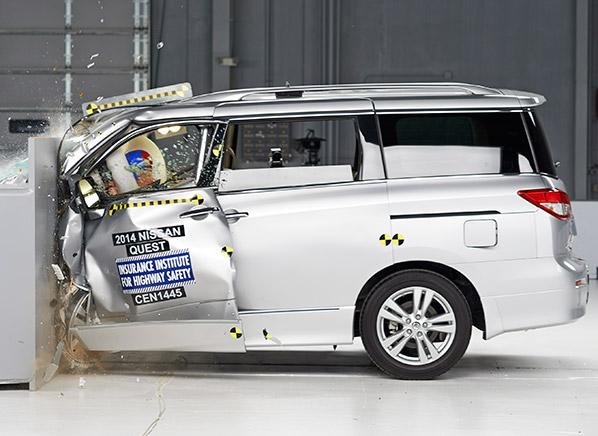 Nissan Minivan 2015