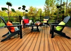 Builders Show Colorful New Trex Decking That Resists Mold