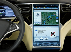 driving the tesla model s is like using an ipad thanks to leading edge interior. Black Bedroom Furniture Sets. Home Design Ideas